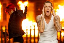 Eminem_rihanna_love_video-YeniFragman